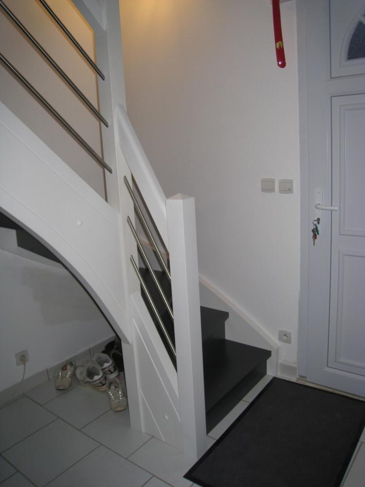 Menuiserie houillon damas et bettegney vosges 88 - Escalier bois peint en blanc ...
